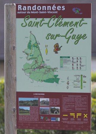 A 5,9 km de Genouilly se trouve le village de Saint Clément sur Guye - chemin de randonnées