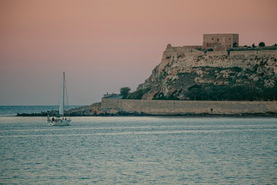 Ariadne with the Fortezza Castle as background. Returning from day trip.