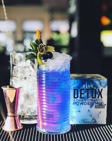 💙Blue Mule💙 Una delle prime fresche novità estive targate #hausgarden ! Venite a scoprire tutti i benefici di un detox a base di zenzero mixato abilmente dai nostri barman per creare una bevanda analcolica di cui non potrete fare a meno!