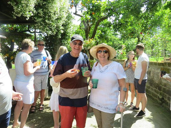 Sorrento, Taliansko: The fabulous garden tour of the hotel owners orchards.