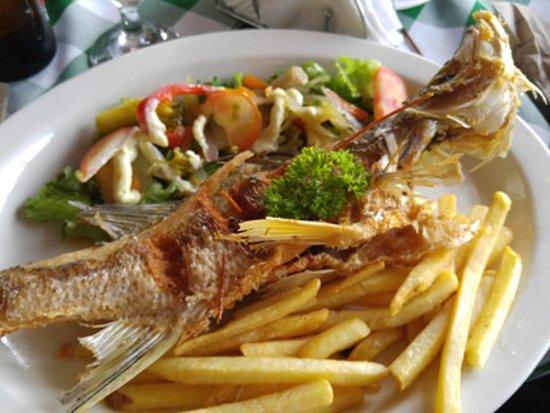 Bar y Restaurante Coto: Chose the whole Corvina.