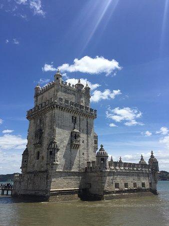 A Torre de Belém é a história viva dos descobrimentos por parte de Portugal no século XV.