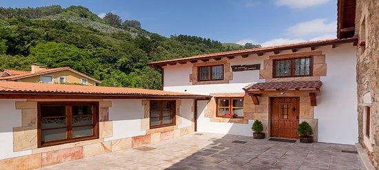 Corvera de Toranzo, Spanje: El Rincón de Carmina es una magnífica casa rural en Cantabria, situada en los Valles Pasiegos, a 15 km del Parque de la naturaleza de Cabárceno, ubicación ideal para conocer toda la región.