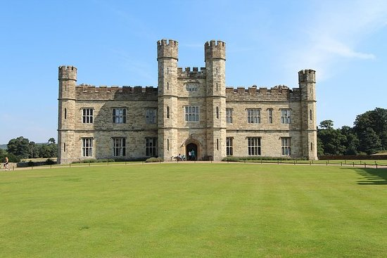 LEEDS CASTLE & CANTERBURY - Tour