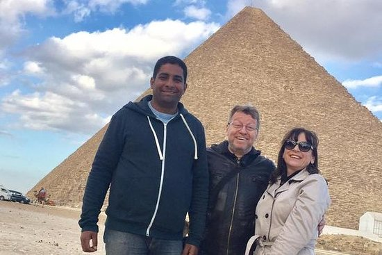 Tour to Giza Pyramids and Egyptian Museum and Citadel and Khan elkhalili: CAIRO TOP TOURS TO GIZA PYRAMIDS EGYPTIAN MUSEUM 