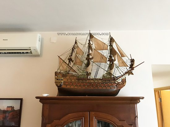 Royal Louis 80cm hull size at Guest's House!