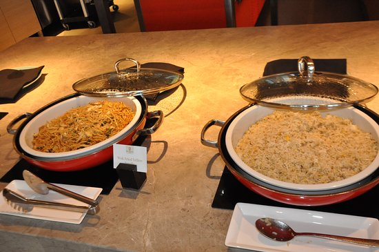 #6: Breakfast (noodle & fried rice)