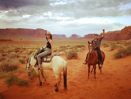 Monument Valley Horseback Tours