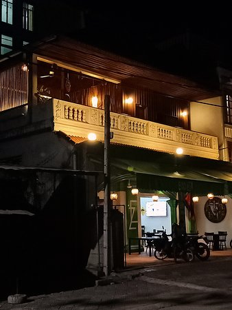 Relaxing ECO Z Guesthouse by night, ground floor and balcony