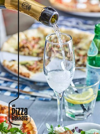 Pizza & Prosseco the ideal combination!!