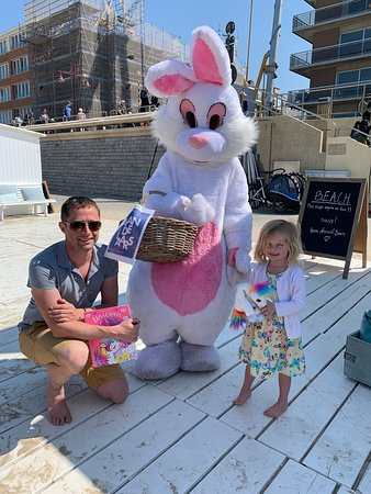 Plage d'Amante: easter bunny