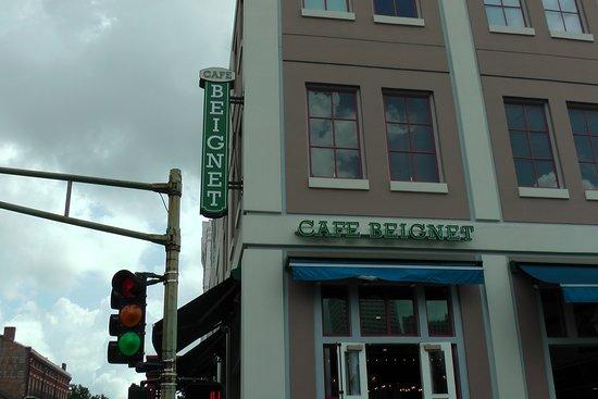 Cafe Beignet on Decatur: exterior of 600 Decatur location