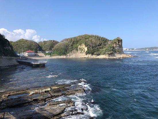 海中展望塔へ向かう道