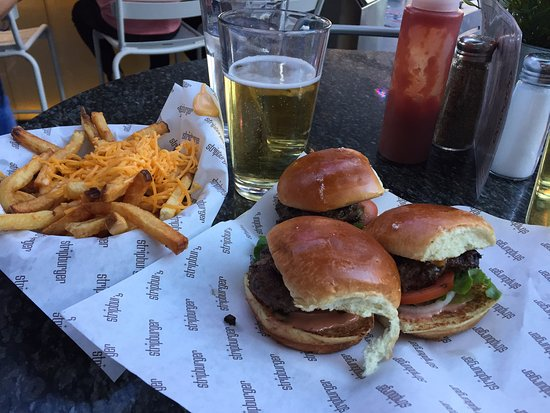 Sliders and cheese fries