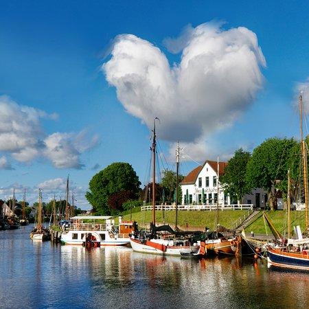 Café Heimathafen Carolinensiel: Soviel Liebe über unserem Heimathafen⚓️