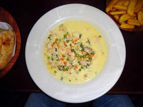 Grasshopper On The Green: Fish chowder with warm crusty bread, excellent value for money.