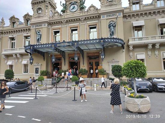 Casino of Monte-Carlo: Kockarnica u Monte Karlu,ulazne stepenice