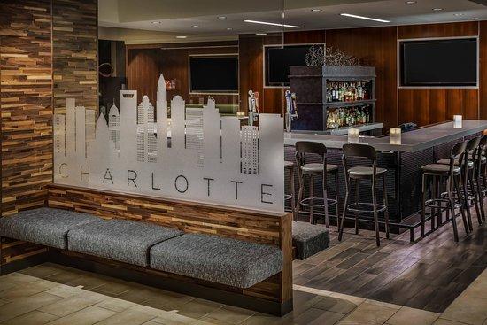 Courtyard Charlotte City Center: Restaurant
