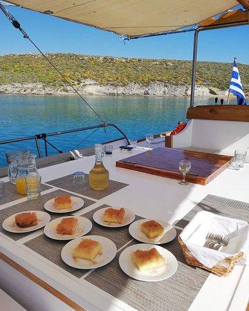 Fresh homade mama's dessert #pantasoulas_daily_cruises