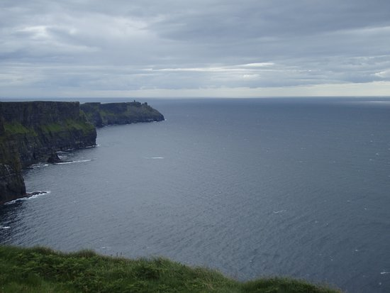 Skip the Line: Cliffs of Moher Admission Ticket: Sightseeing at Cliffs of Moher