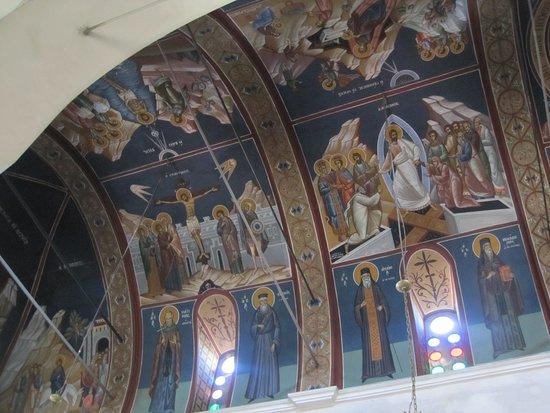 Λεύκες: Lefkes. Церковь Святой Троицы