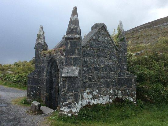 Ballyvaughan, İrlanda: Pinnacle Well