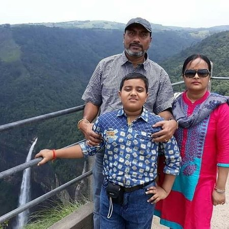 Mr #arijitmazumdar and family from kolkata, had unforgetable visit to guwahati & shillong with indiantravellers services.