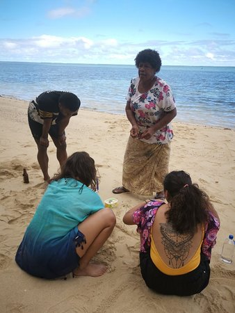 Figi: Day By The Beach With Mary & Semi Kaitabu