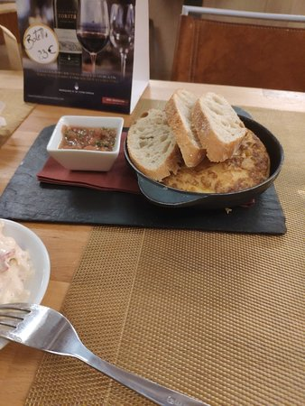 Быстрое обслуживание, нормальная еда