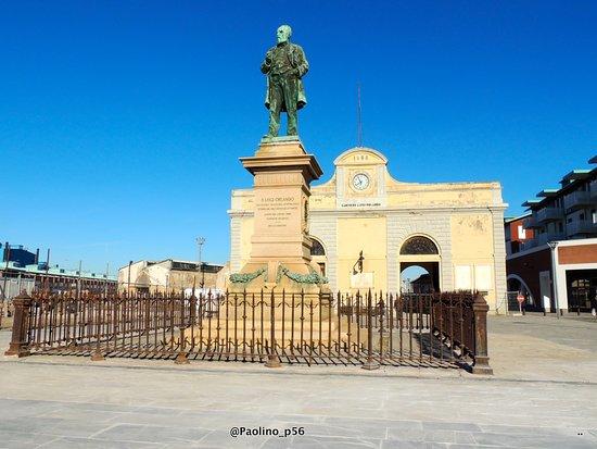 Monumento a Luigi Orlando