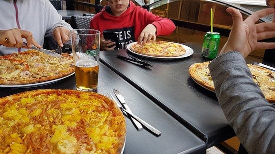 mackans pizza skogstorp