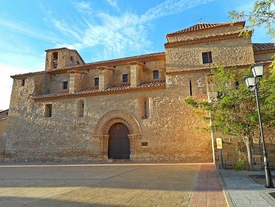 Iglésía Ntra Sra del Pópulo, visitas guiadas. Más info en pág Facebook; Turismo de Olocau del Rey