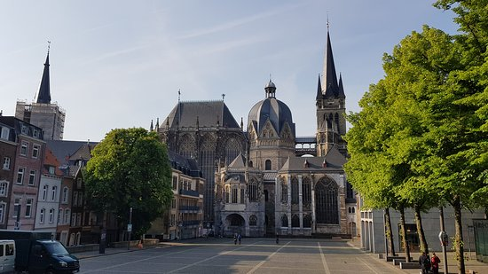Katschhof Square