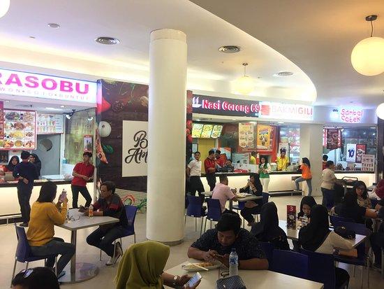 Σουραμπάγια, Ινδονησία: Tunjungan Plaza Surabaya 푸드코트