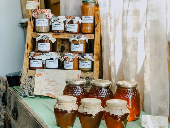 Figueira, Portugal: Organic, local produce is sold in our reception área so you can enjoy what the área has to offer!