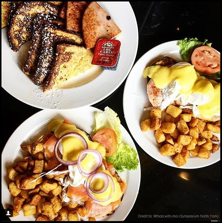Symposium Cafe Restaurant & Lounge: Benedicts and French Toast Breakfast
