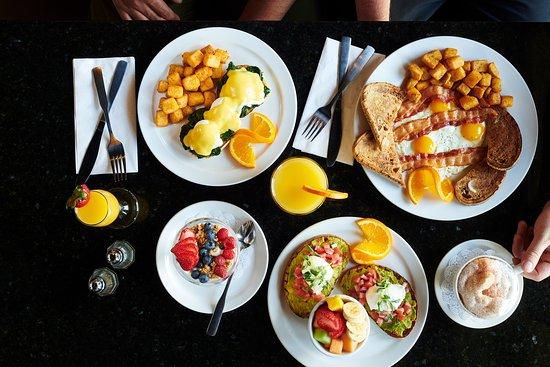 Symposium Cafe Restaurant & Lounge: Weekend Breakfast served until 4pm