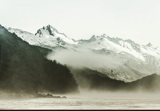 Puerto Bertrand, Chile: Rio Baker de fondo cordón contreras campos de hielo Norte parque nacional laguna San Rafael