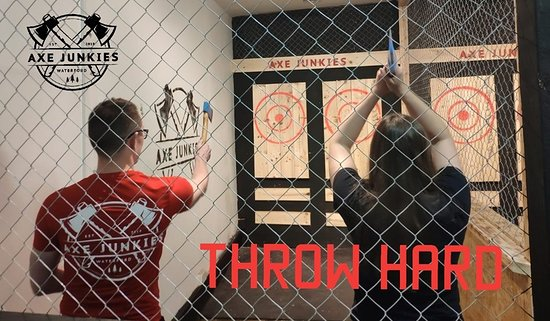 Axe Junkies Urban Axe Throwing