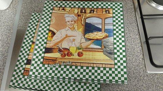 La Antigua Horno de Leña: Cajas de Pizzas