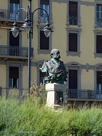 Monumento a Benedetto Brin