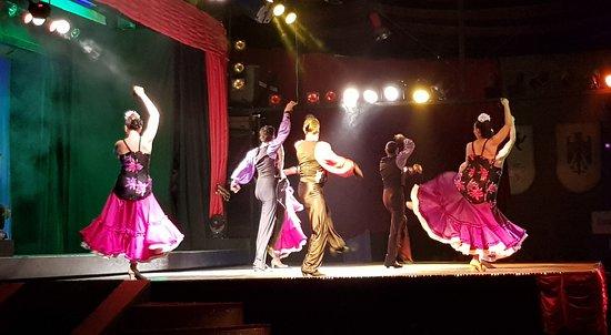 Abendessen, Mittelalter- und Flamenco-Show im Valltordera Castle (Shuttlebus inklusive): Cuerpo de baile (4)