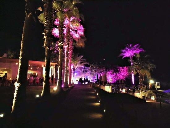 Fort Arabesque Resort, Spa & Villas: Walking towards Club 159