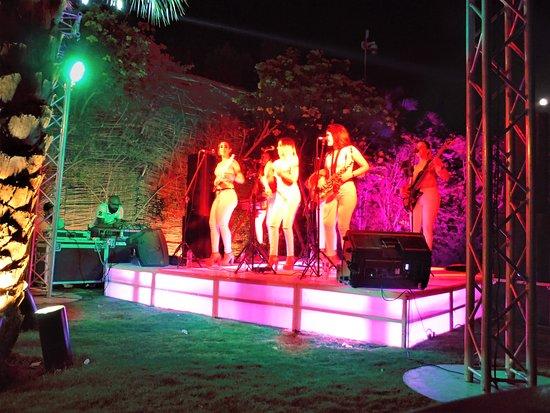 Fort Arabesque Resort, Spa & Villas: Havana Dolls at Club 159 (open to all)