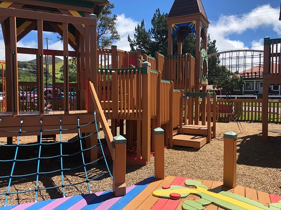 Anuenue Playground