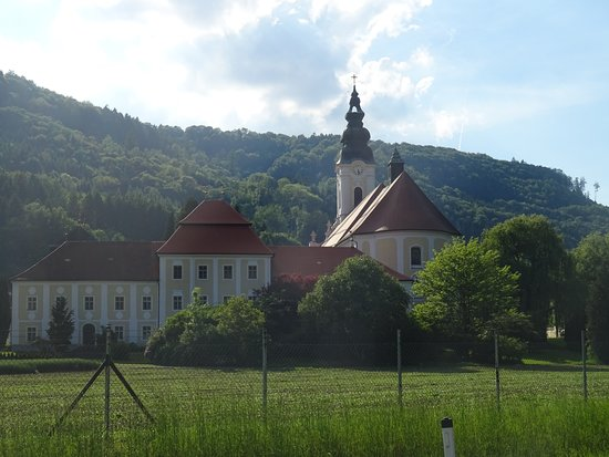 Engelhartszell, ออสเตรีย: View from the river (Danube)