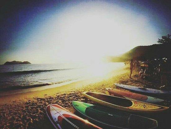 Praia Barra do Sahy, SP : Um final de tarde de verão! Venham nos Visitar...