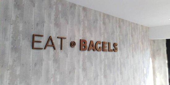 Eat @ Bagels: Foto muur interieur