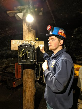An in-depth understanding how a coal mine works (pun intended)
