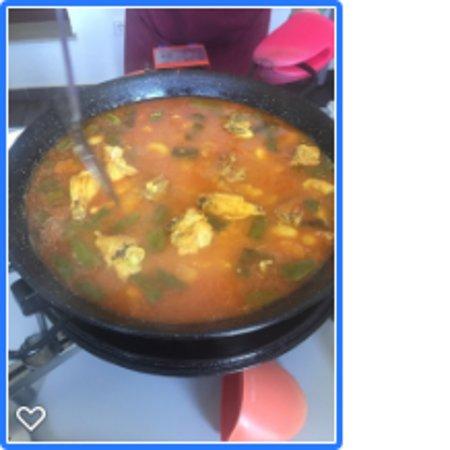 Authentic Valencian Paella Cooking Class: Paella cozinhando
